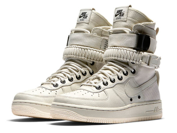 Nike Air Force 1 Special Field белые (40-46)